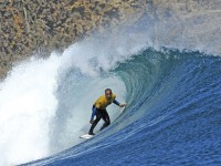 Surfer Diego Medina