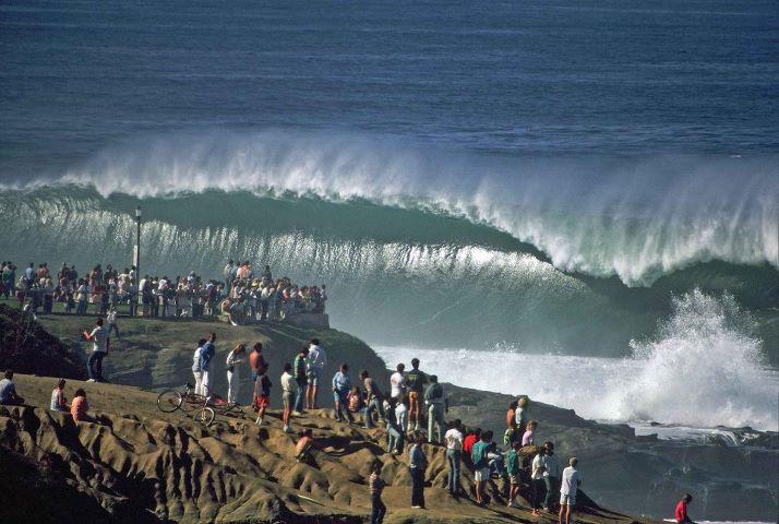 Surfing Praia do Diabo